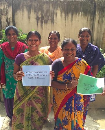 Feather touch i Indien tillverkar necessärer och väskor för Contigo Fairtrade.