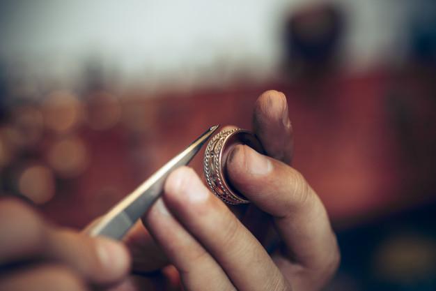 Bronsringar handgjorda ringar i solid brons