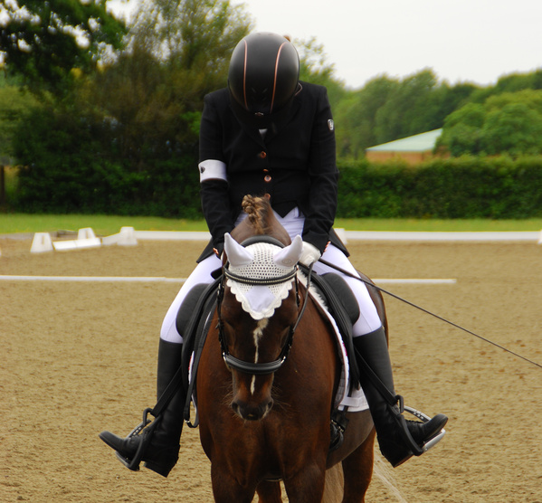 Quest's Hannagh Mohan's salute to the judges on her way to qualifying