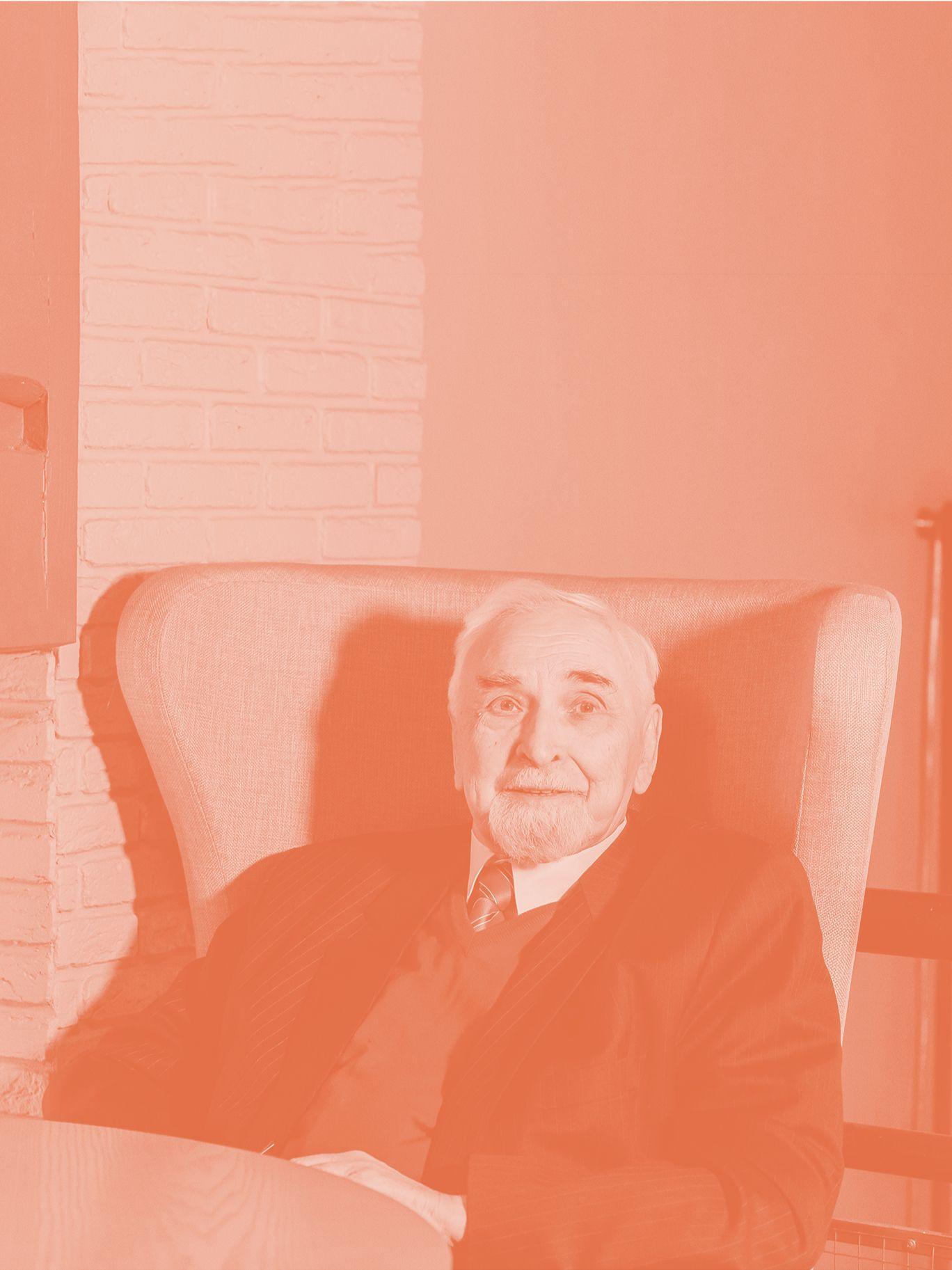 Александр Анисимов — о работе над Театром на Таганке, создании особенного кирпича и лампах с подводной лодки