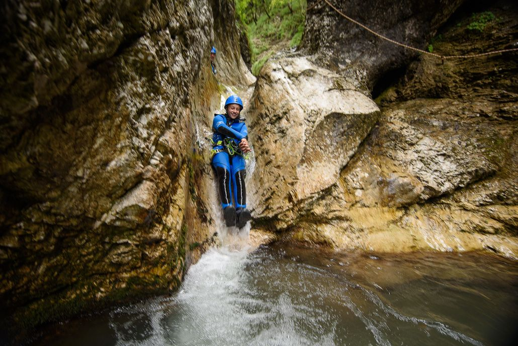 Spielerisches Canyoning im Susec Canyon Susec-Schlucht, Slowenien #3471107a-6677-496f-b1b1-9029d7f91370