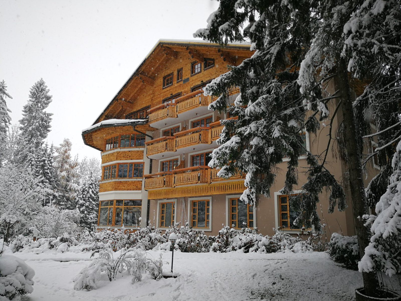 5 Days Ski Safari - 14 Ski Resorts Bled, Slovenia #6bed11a3-421f-4492-84da-c94d845f83df