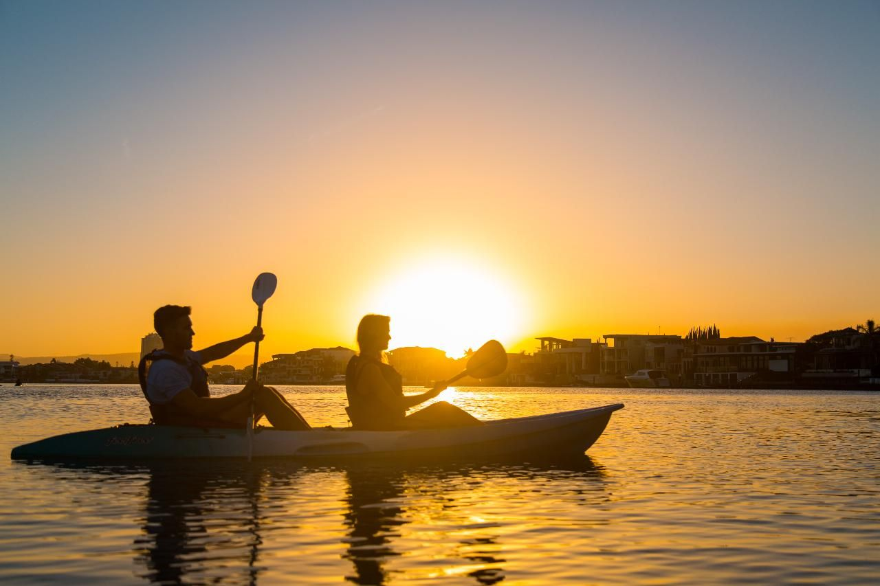 Sunset Kayak Tour Budds Beach in Surfer Paradise, Australi