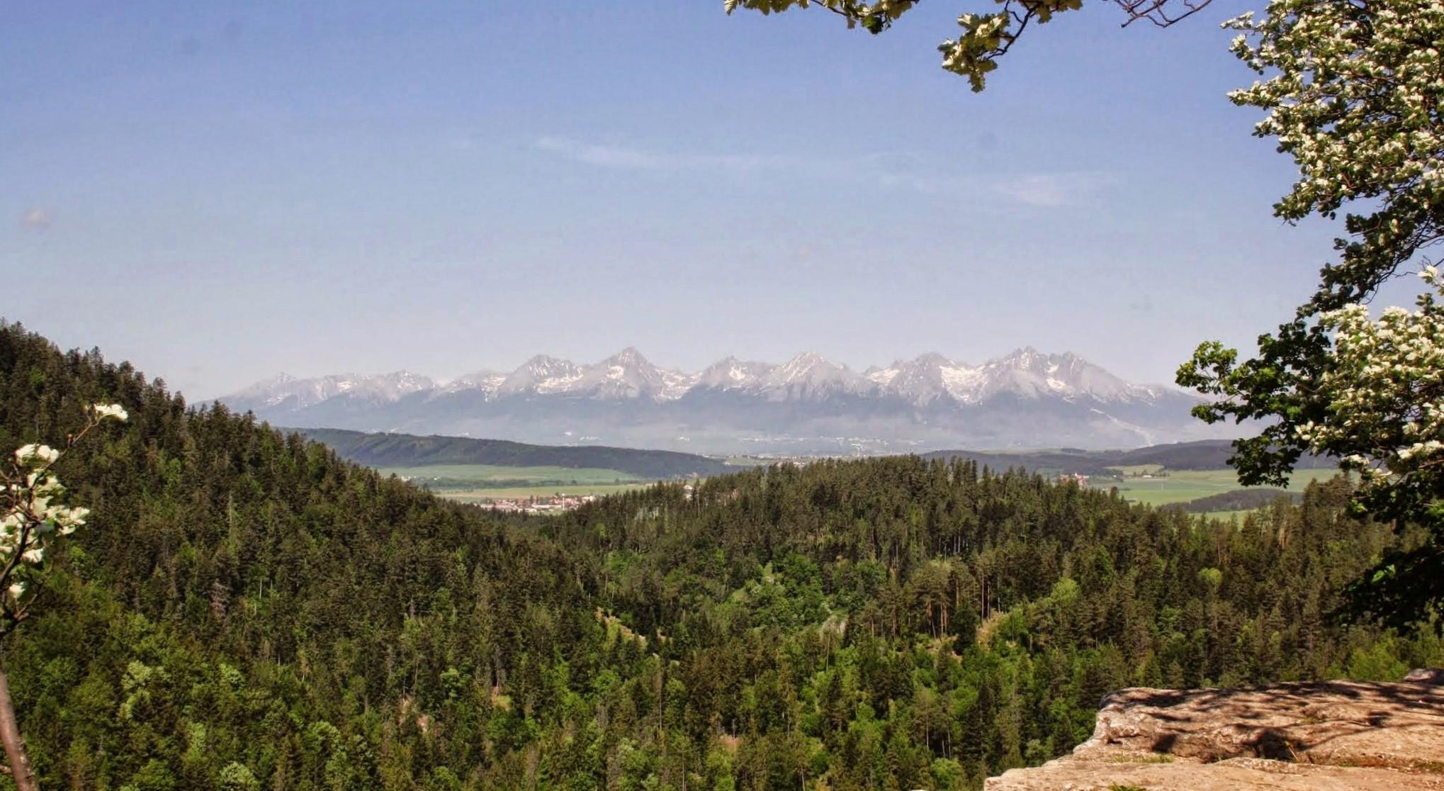 4 hegység csúcsai közt húsvétkor Szlovákia