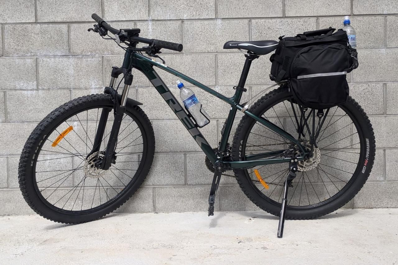 Biking Exclusively Hosted Service (3 Days) Days Bay, New Zealand #628c9257-e5b5-421a-bbba-c9e9e93d78f2