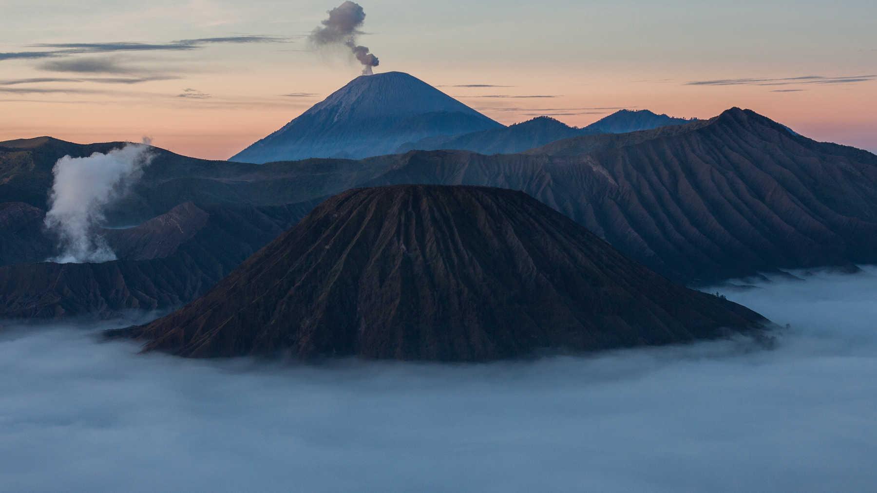 Best of Sumatra & Java Indonesia