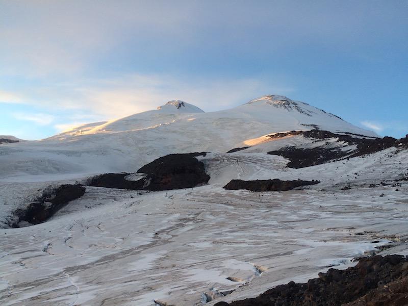 Elbrusz 5642m csúcsmászás Oroszország