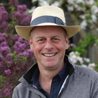 Joe Swift headshot