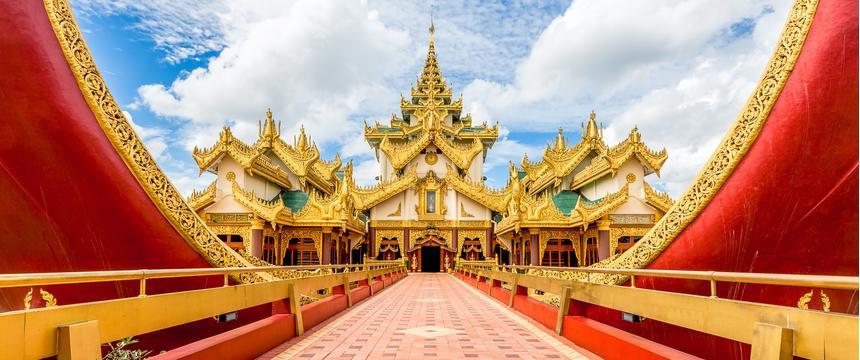 Karaweik Palace in Yangon in Myanmar