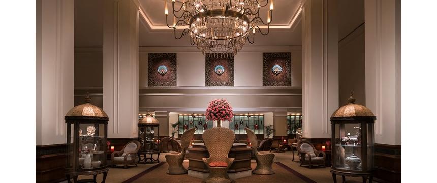 The lobby of the Sule Shangri La hotel in Yangon in Myanmar
