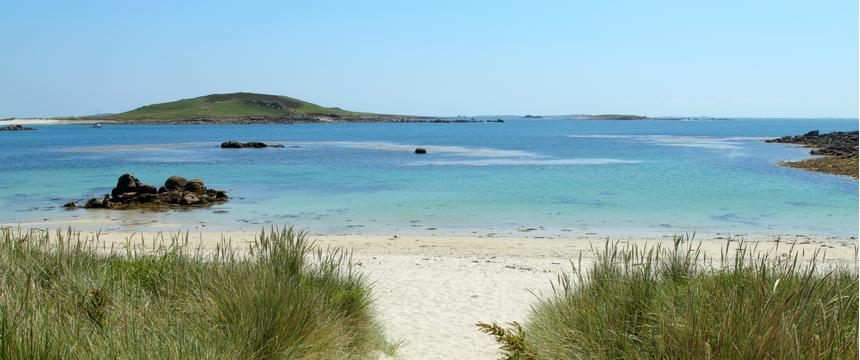 Path to Rushy Bay beach in Bryher