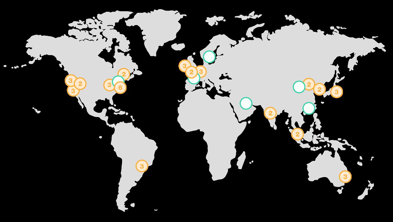 Carte du monde représentant une vingtaine de points dans le monde dans chaque continent, à l'exception de l'Afrique. Chaque point est un datacenter d'Amazon Web Services.