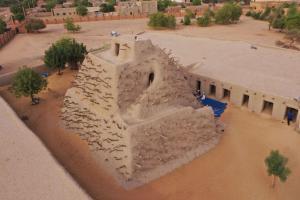 18 Rehabilitation of the Tomb of Askia Gao Mali c Thomas Raguet 1