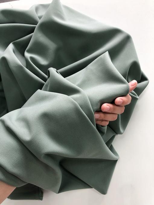 Костюмная, матовый зеленый