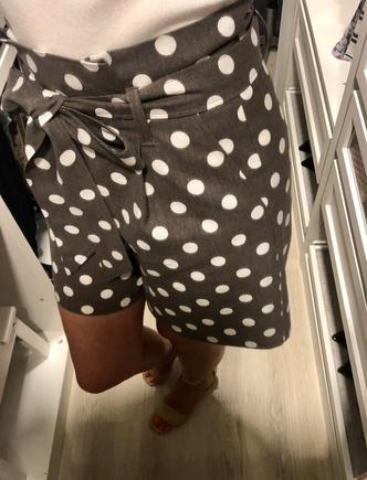 Приличные шорты!🤎
