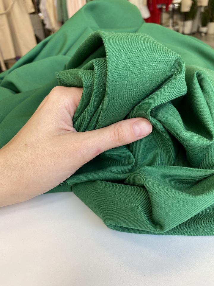 Костюмная, травяной зеленый