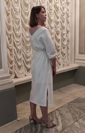 Отличное платье для театра!
