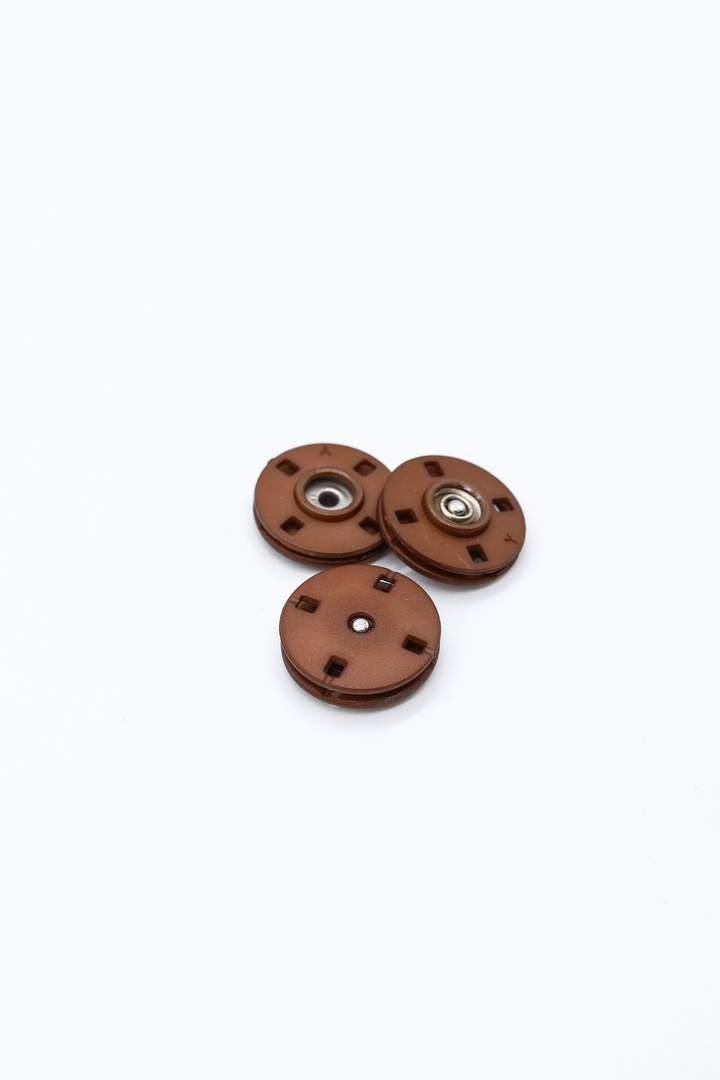 Кнопки тёмно-коричневые