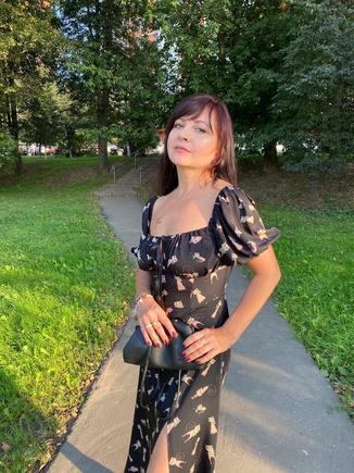 Изящное женственное платье