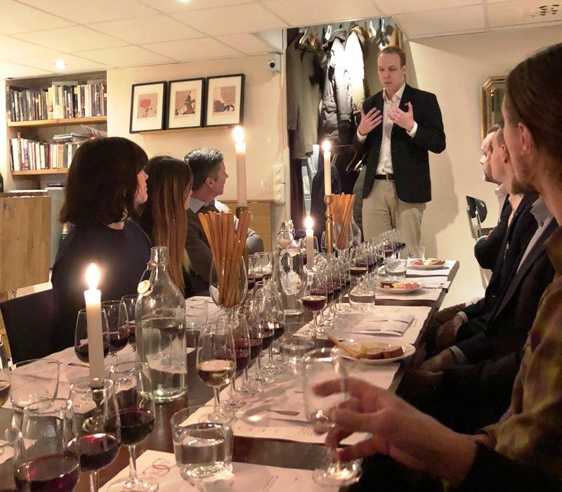 naturviner-provning-med-kumlien-vinbanken