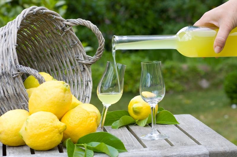 Limoncello di Capri-citronlikor-for-drink-och-dessert-vinbanken