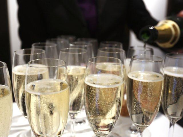Champagneköp med extra allt, just nu