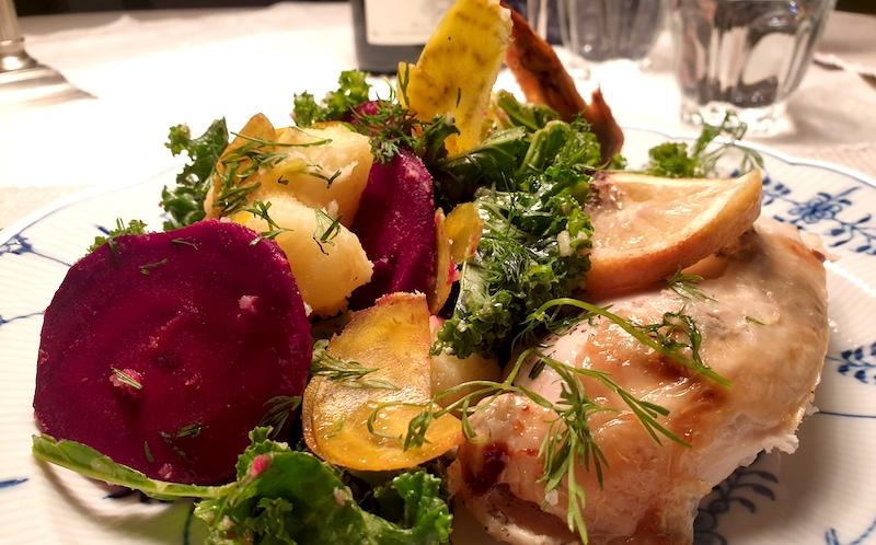 vin-till-färgglad-betsallad-och-kyckling-vinbanken-recept