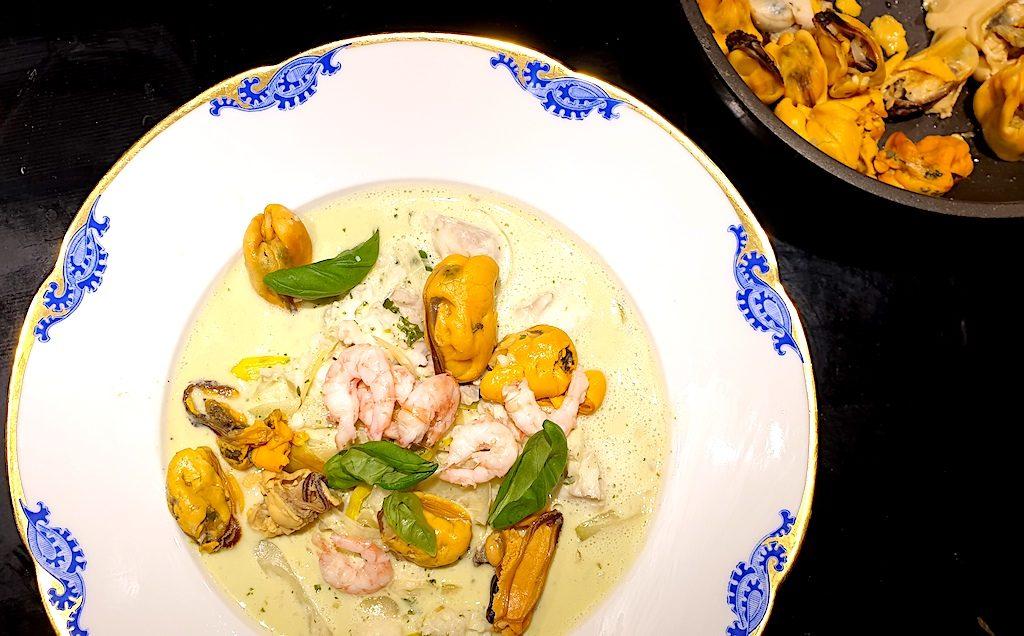 vin-till-casserole-med-torsk-musslor-recept-vinbanken