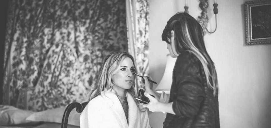 freelance mobile makeup artst based in shefield