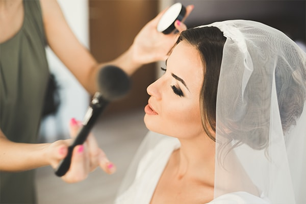 BRIDAL-MAKEUP AND TOUCH-UP KITS for brides