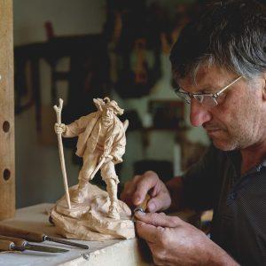 demetz-georg-pilat-sculture-in-legno-presepi-ortisei-bolzano-profile