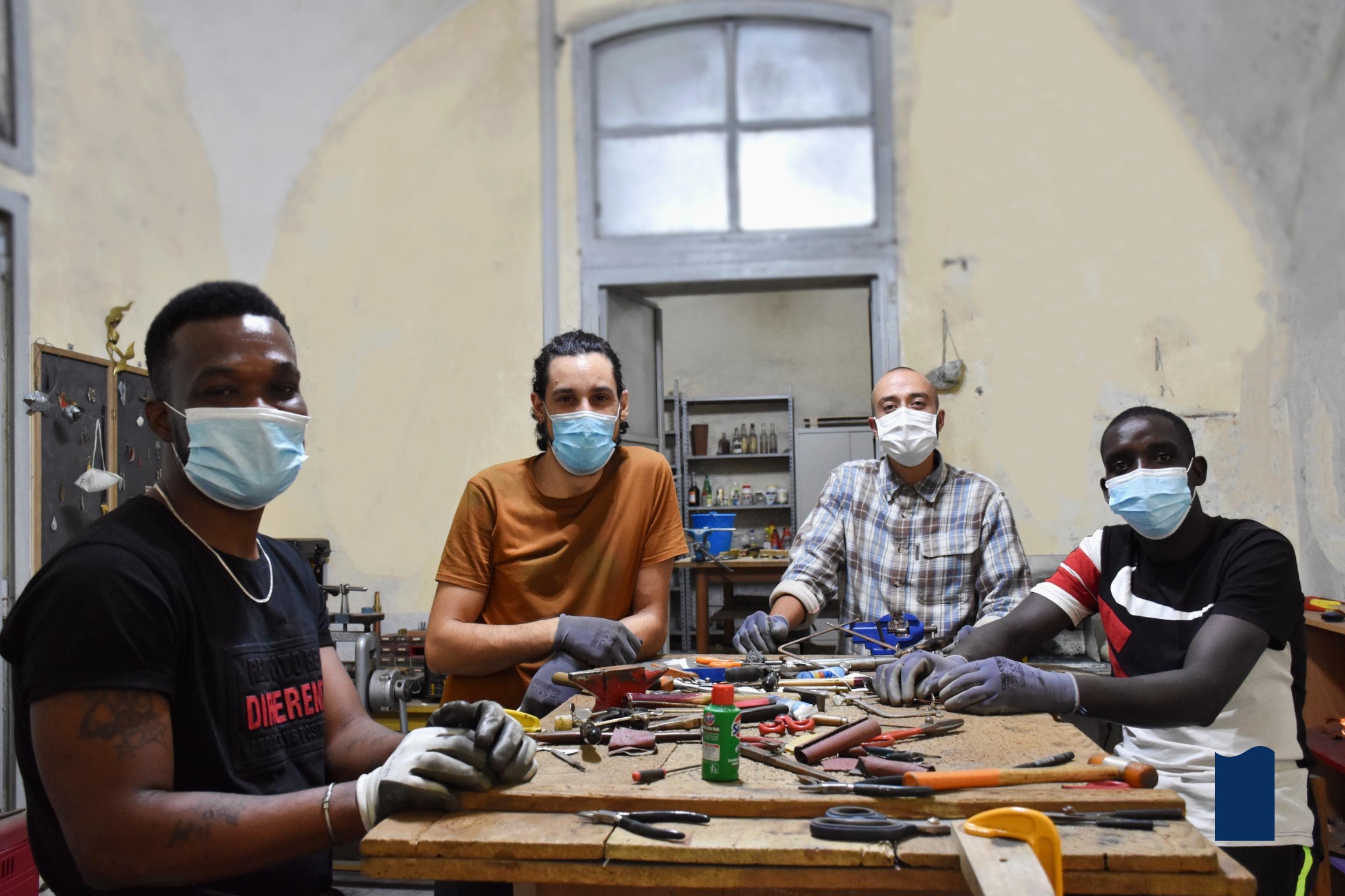 Design, arte e artigianato come mezzo di integrazione sociale e lavorativa