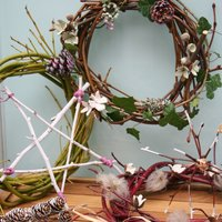 Annie Guilfoyle Christmas decorations from foraged materials