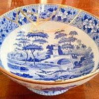 Richard Walker Modern Kintsugi gilding – gold leaf repair for ceramics
