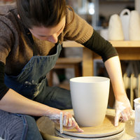 Jo Davies Porcelain for beginners – throwing and turning