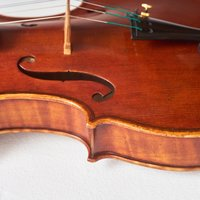 Colin Cross Musical instrument making – violins, violas and cellos