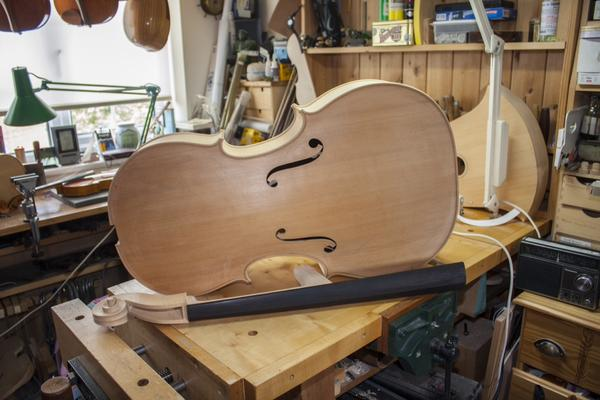 Geoff Bowers stringed musical instruments