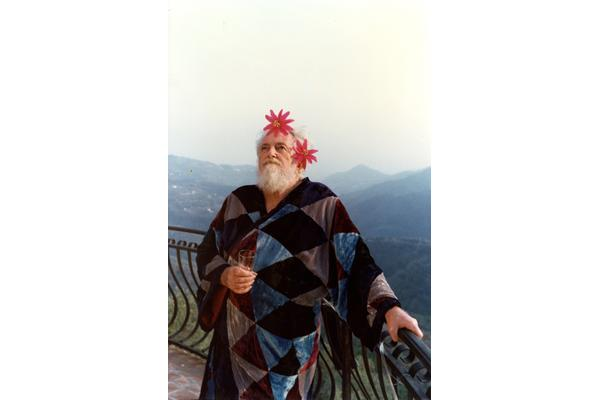 Edward James at his home in Perinaldo, Italy, c.1983. Courtesy of the Edward James Archives at West Dean College of Arts and Conservation.