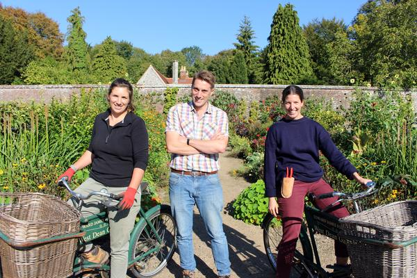Trainee Horticulturalists Chantal Rich and Laura Mellor with Tom Brown