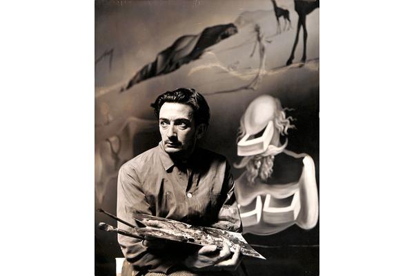 Dali with Dream of Venus. © Salvador Dali, Fundació Gala-Salvador Dalí, DACS 2020