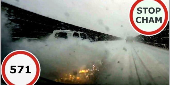 Stop Cham #571 – Niebezpieczne i chamskie sytuacje na drogach  – [Video]
