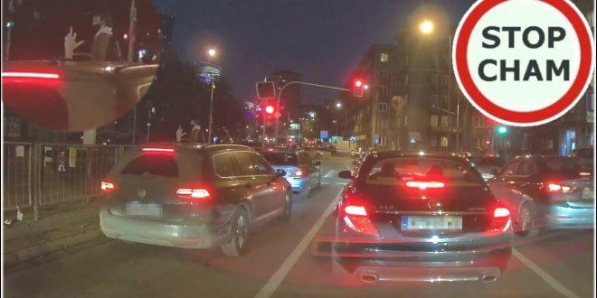 Król w Passeratti jedzie ulicami Warszawy – spychanie z pasa,  hamowanie … #583 Wasze filmy  – [Video]