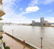Third floor apartment with panoramic views of the River Thames