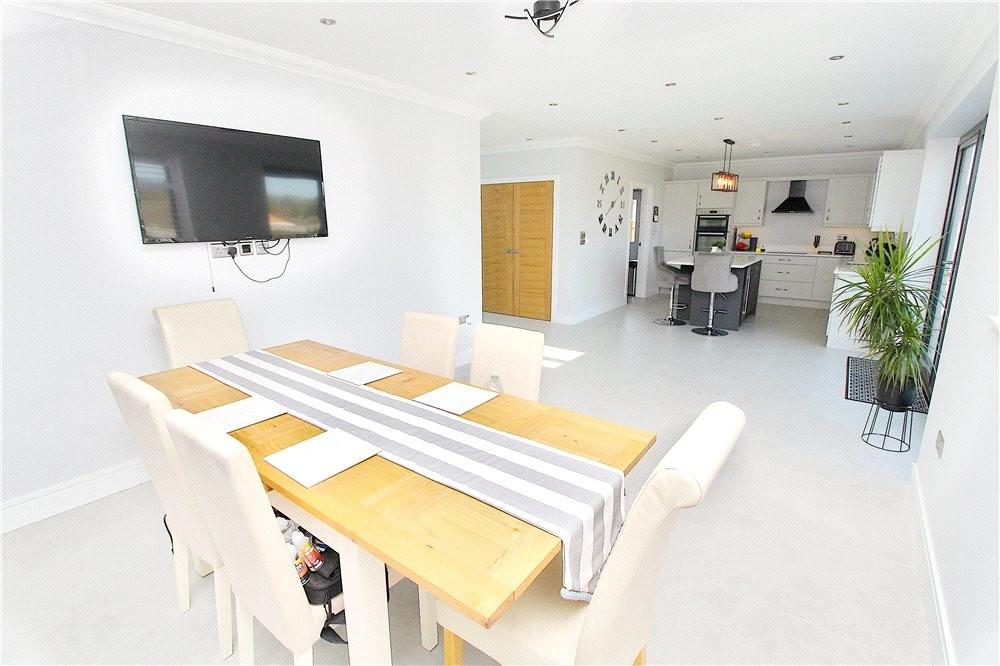 MUVA Estate Agents : Dining Area