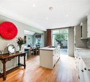 Three bedroom beautifully presented house in Eynham Road W12