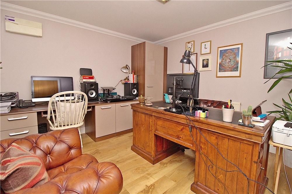 MUVA Estate Agents : Bedroom/Office