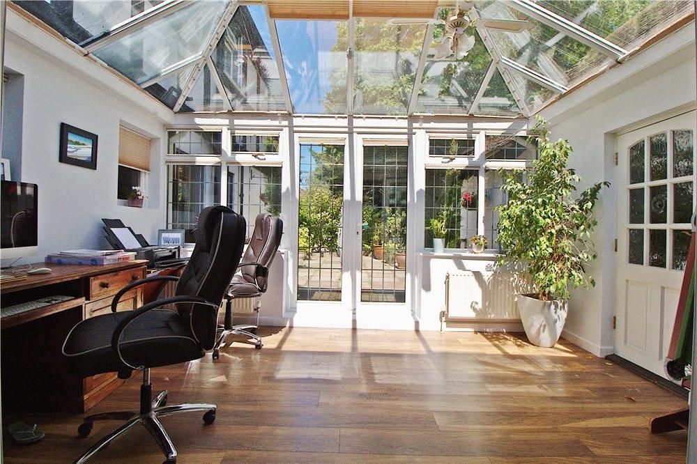 MUVA Estate Agents : Annexe Conservatory