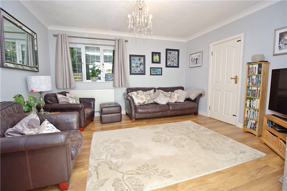 MUVA Estate Agents : Annexe Living Room