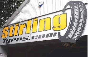 Stirling Tyres logo
