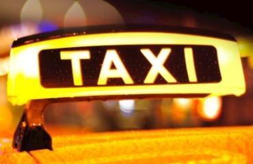 Fraser's Cabs logo